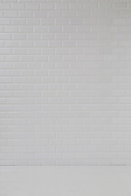 白タイル壁x白デコラ