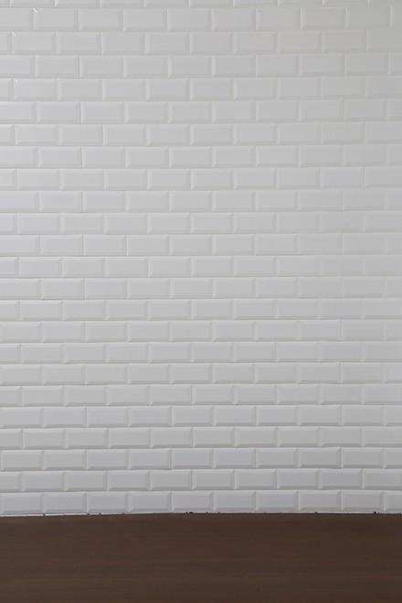 白タイル壁xDBデコラ