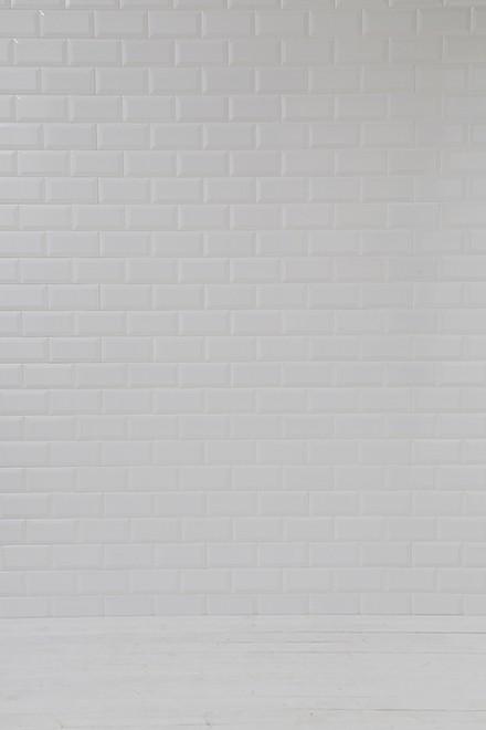 白タイル壁x白板